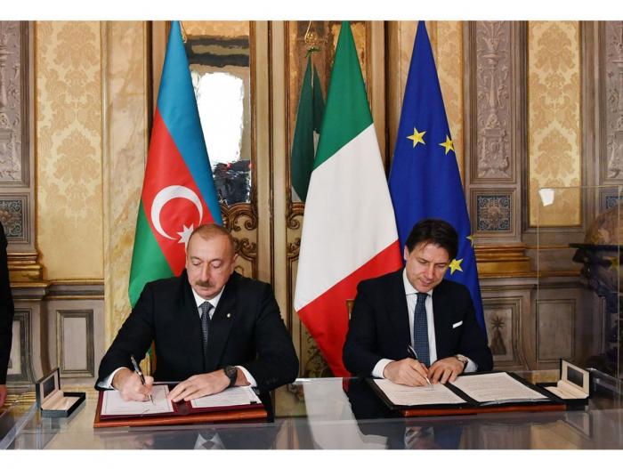 Azerbaijan, Italy exchange documents