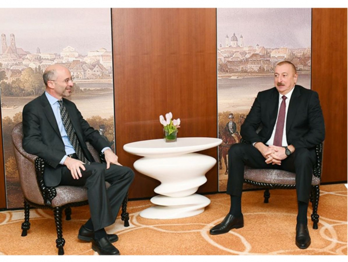 President Ilham Aliyev meets president, CEO of Int'l Crisis Group in Munich