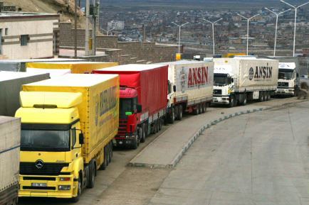 Customs Administration: Iranian trucks not allowed to enter Turkey