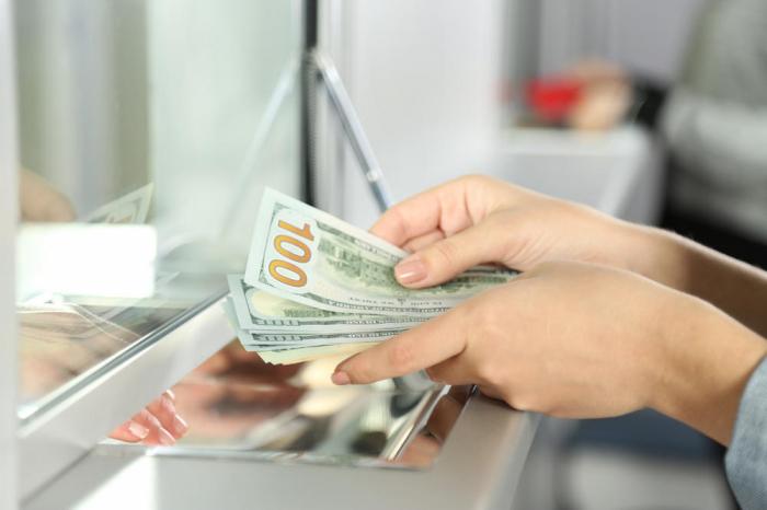 Dollar satışına nəzarət gücləndirilir