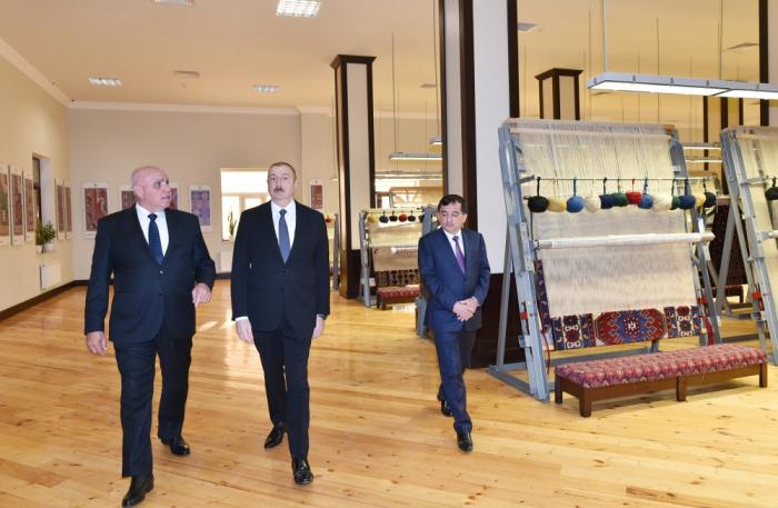 """İlham Əliyev """"Azərxalça""""nın Qazax filialına baş çəkdi - FOTOLAR"""