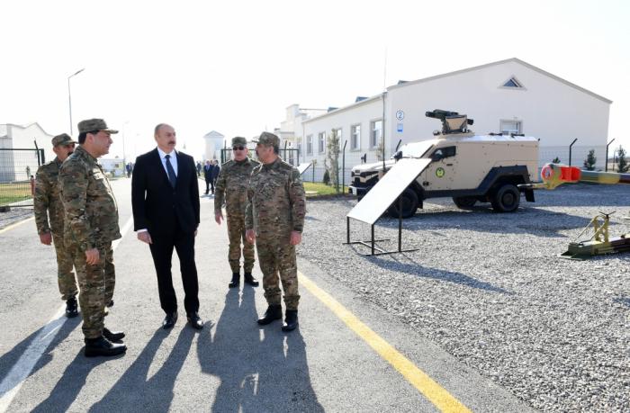 Prezident yeni hərbi texnikalara baxış keçirib - FOTOLAR (YENİLƏNİB)