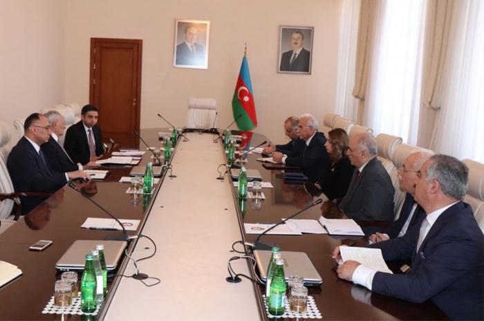 Coronavirus:  Le ministère azerbaïdjanais de la Santé tient une réunion élargie -   PHOTOS