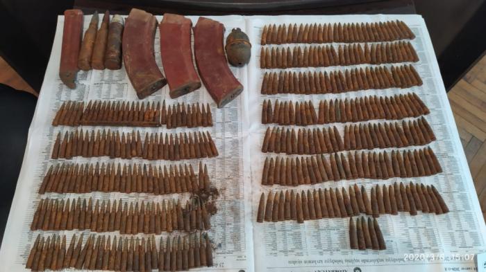 Sabirabadda silah-sursat tapılıb
