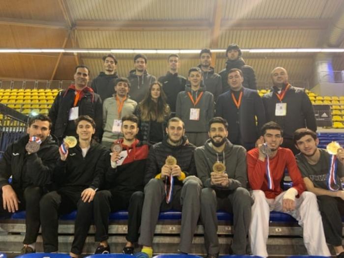 Taekvondoçularımız Niderlandda 7 medal qazandı