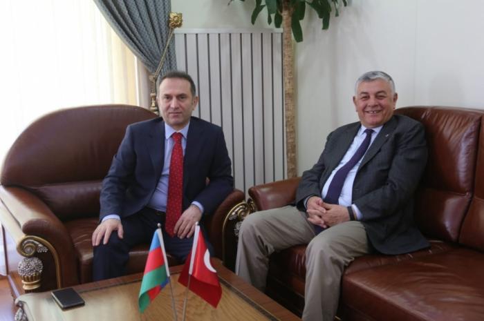 Azərbaycan-Türkiyə əlaqələri müzakirə edilib