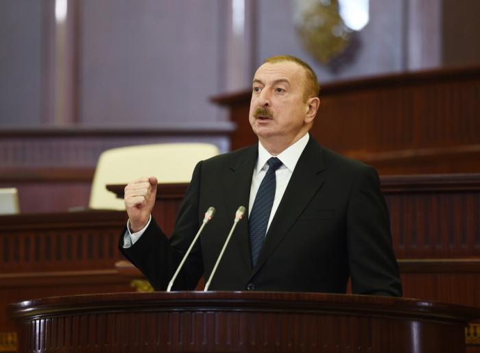 """Prezident icra başçılarının həbsindən danışdı:  """"Bütün ölkə ona nifrət edir"""""""