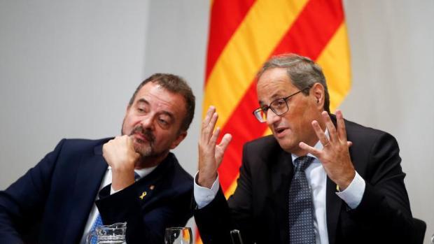 Dimite el consejero catalán de Exteriores por tapar un caso de acoso