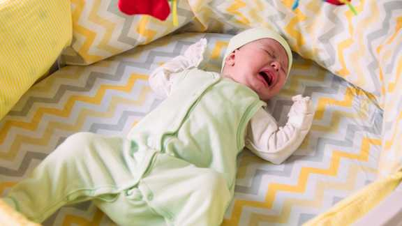 Babies with severe sleep problems may have more childhood anxiety, research suggests