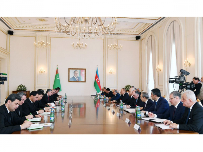 Azerbaijani, Turkmen presidents hold expanded meeting - UPDATED