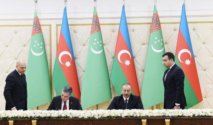 Azerbaijan, Turkmenistan sign bilateral documents