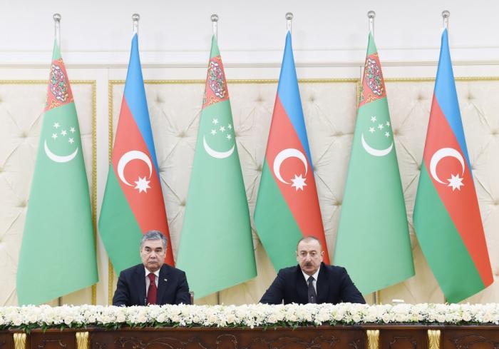 Azerbaijani, Turkmen presidents make press statements