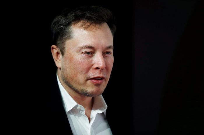 Outspoken Tesla chief Elon Musk faces $1 billion trial, test of temperament