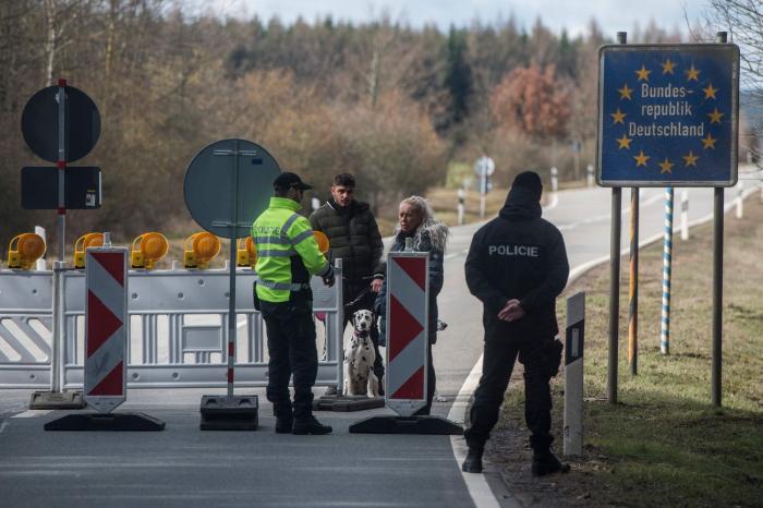 La UE prepara el blindaje de su frontera exterior para evitar el colapso de la zona Schengen