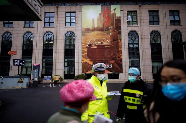 China tightens airport checks as imported coronavirus cases tickup