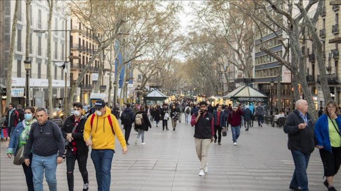 Spain reports 96 new coronavirus deaths amid lockdown
