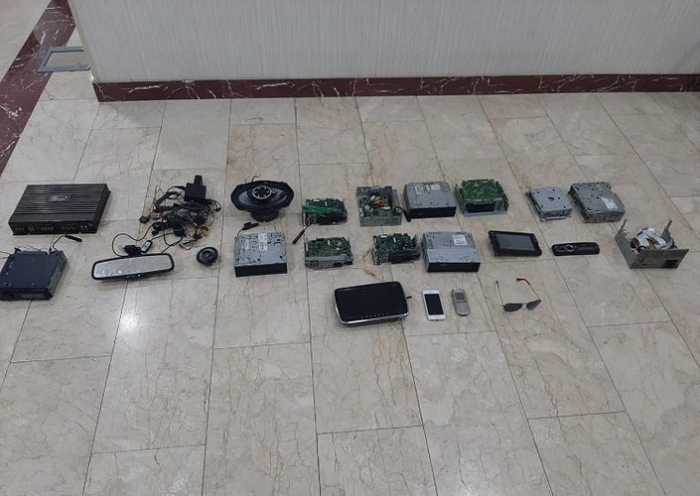Oğurladıqları əşyaları onlayn satanlar tutuldu - FOTO