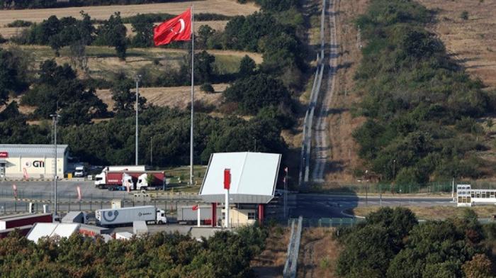 Türkiyə daha iki ölkə ilə sərhədləri bağladı