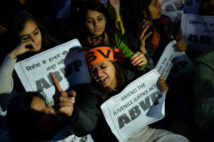 Vier Männer in Indien wegen Gruppenvergewaltigung von Studentin hingerichtet