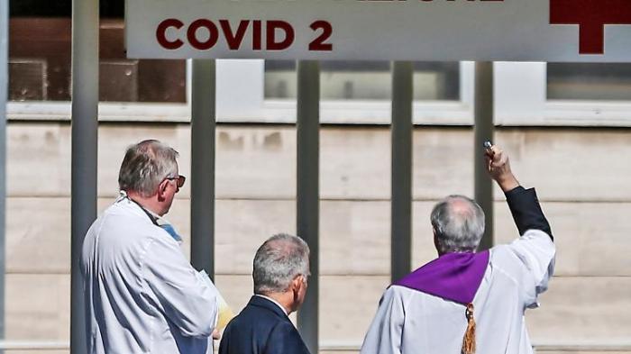 Italienische Priester sterben an Covid-19