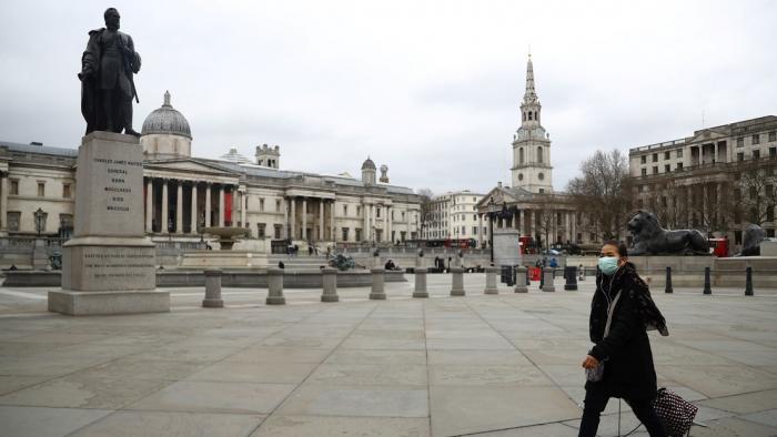 Boris Johnson advierte a los británicos que el país puede correr la misma suerte que Italia si no se quedan en casa