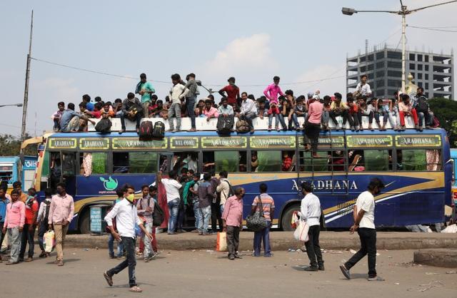 India shuts down flights, big cities as coronavirus toll rises inregion