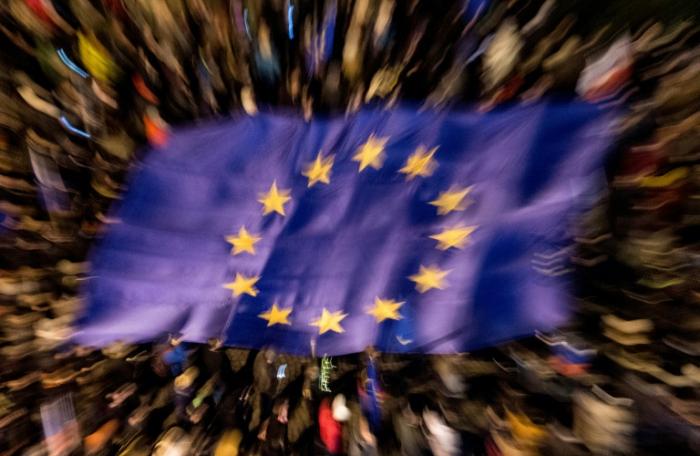 Gipfel vertagt Entscheidung zu Finanzhilfen für EU-Länder in Corona-Krise