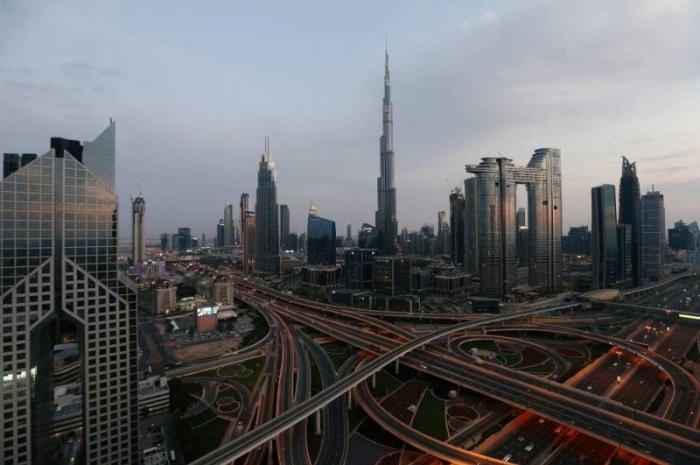 Coronavirus : à Dubaï, un couple va courir un marathon sur son balcon