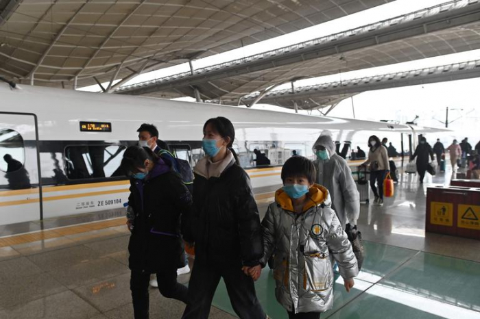 Coronavirus:   après deux mois de bouclage, un premier train revient à Wuhan