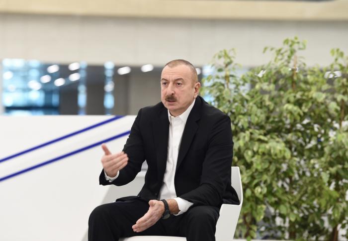 """""""Ce centre médical créera des opportunités supplémentaires dans la lutte contre la pandémie"""",   Ilham Aliyev"""
