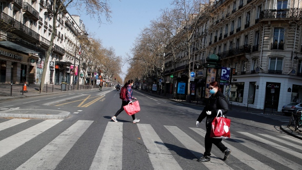 Air pollution drops as Europeans stay at home