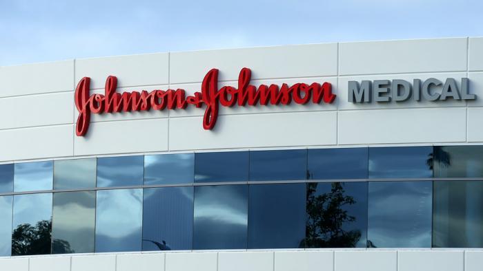 Johnson & Johnson planea ensayos clínicos en humanos de una vacuna contra el coronavirus