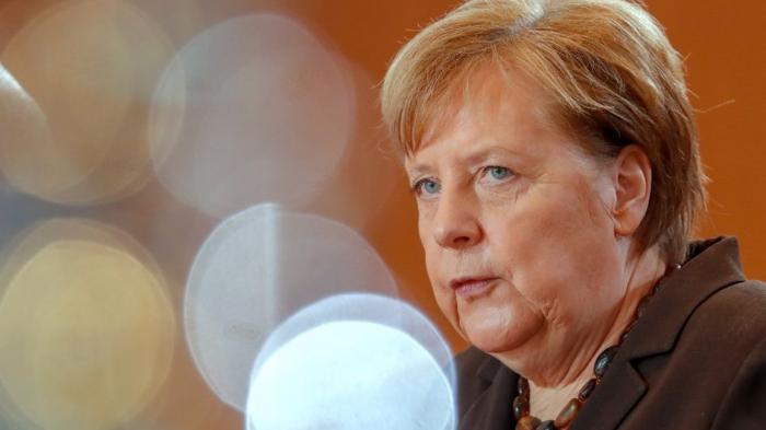 Merkelin ikinci koronavirus testi də mənfi çıxdı
