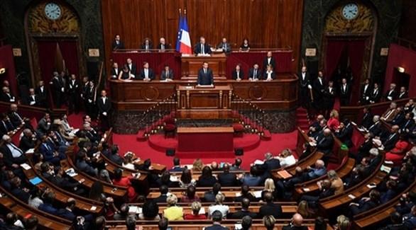 """البرلمان الفرنسي يتبنى قانوناً يفرض """"حال الطوارئ الصحية"""""""
