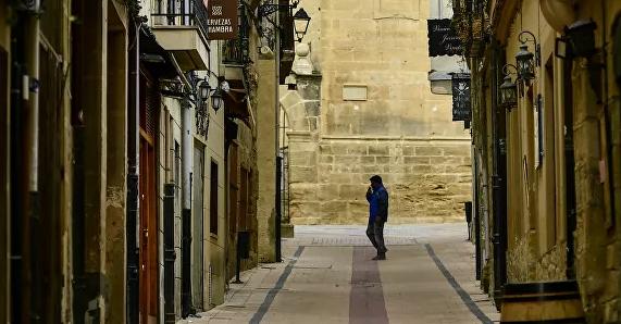 إسباني يقدم كلابه للإيجار من أجل التنزه في وضع الحجر الصحي