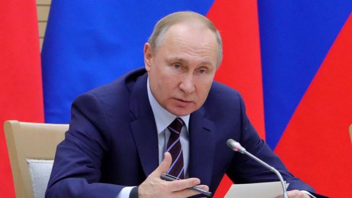 Putin referendumu təxirə saldı