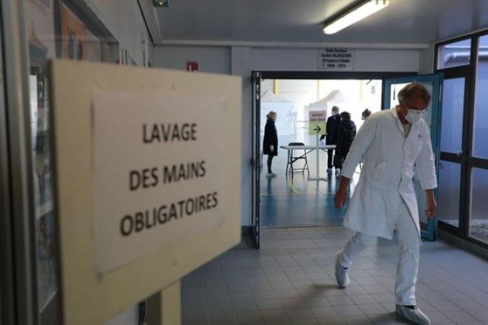 Coronavirus:   1331 morts en France et 2827 patients en réanimation