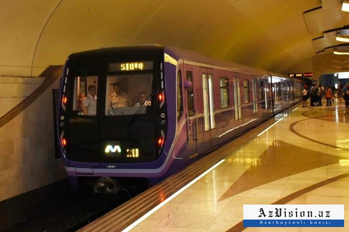 Metrodan istifadə edənlərin sayı 20 faiz azalıb