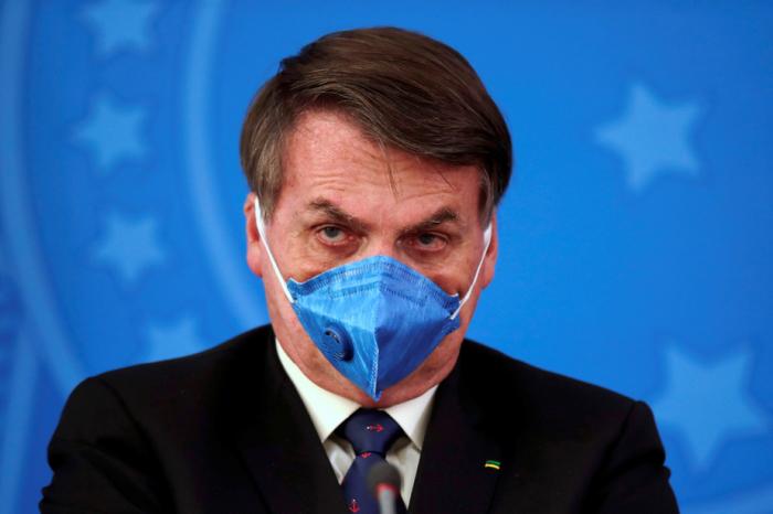 Coronavirus:  Bolsonaro rejette le confinement qui, selon lui, menace de ruiner le Brésil