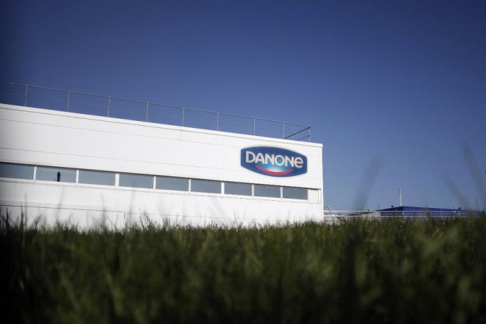 Covid-19: Danone va verser une prime de 1000 euros à ses employés sur le terrain