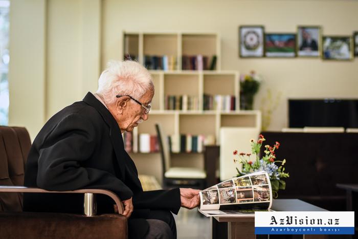 Azərbaycanda yaşlı insanların evdən çıxması qadağan edildi