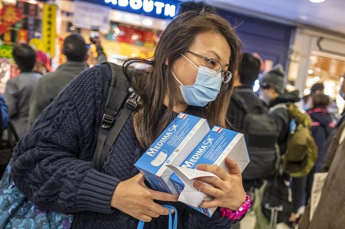 ABŞ-da insanlar koronavirusa görə marketlərə axın edir - FOTOLAR