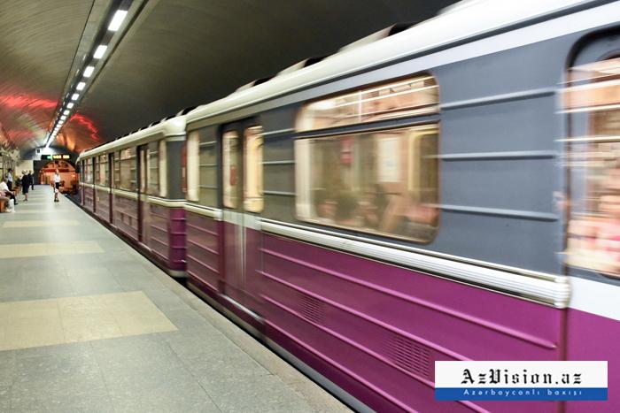 Metroda oğurluq etdi, polis tutdu