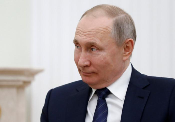 Putin koronavirus testindən keçib