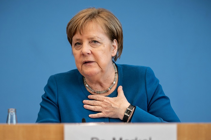 """Angela Merkel: """"Üz-üzə görüşlər üçün darıxmışam"""""""