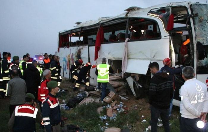 Türkiyədə avtobus qəzası: 44 nəfər yaralanıb