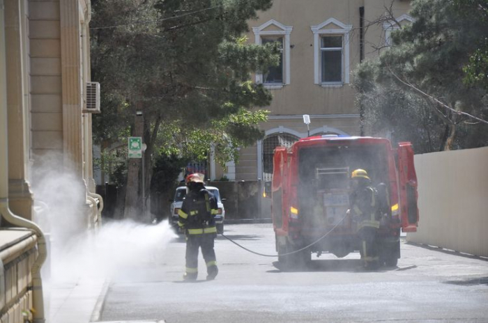 The Ministry of Emergency Situations is disinfecting various areas of Baku