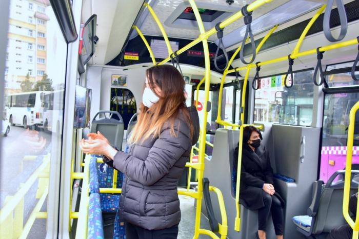 Avtobuslara dezinfeksiyaedici məhlullar yerləşdirilib - FOTO