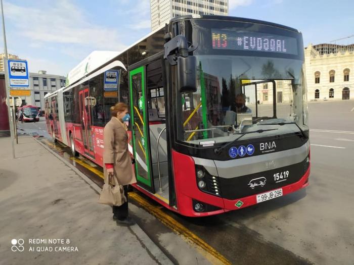 18 metrlik avtobuslar xəttə buraxıldı
