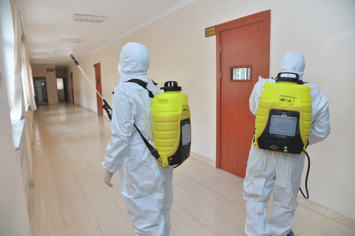 Bakıda insanların sıx toplaşdığı ərazilər dezinfeksiya edilir